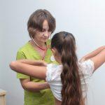 Майже 70% школярів Дніпра пройшли профілактичний медогляд