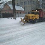 Дніпровські комунальники цілодобово борються зі стихією