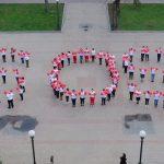Майже 100 медиків області провели у Дніпрі незвичайний флешмоб