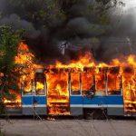 У Дніпрі вщент згорів вагон трамваю